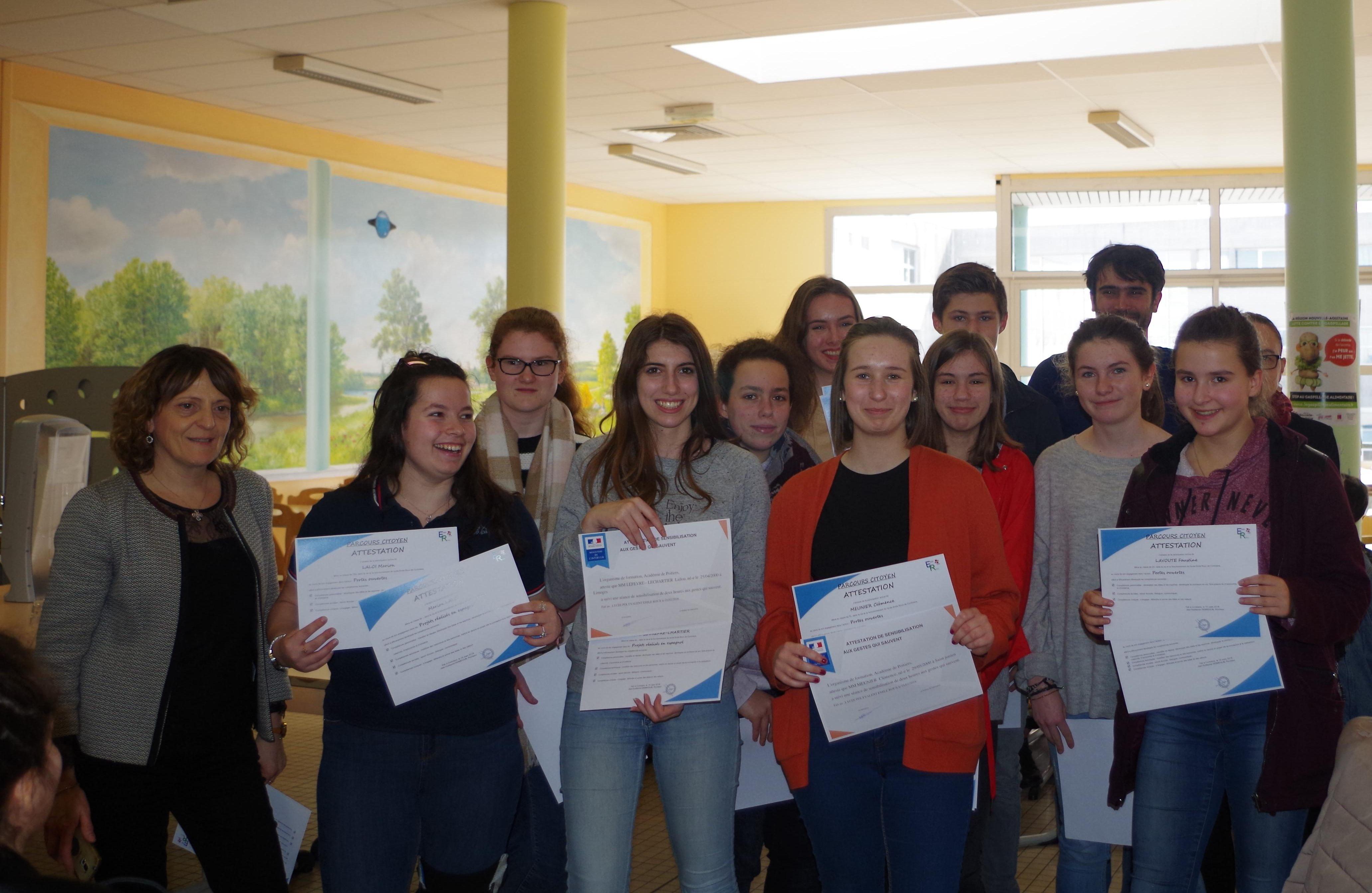 Pluie de diplômes sur le lycée Emile-Roux/